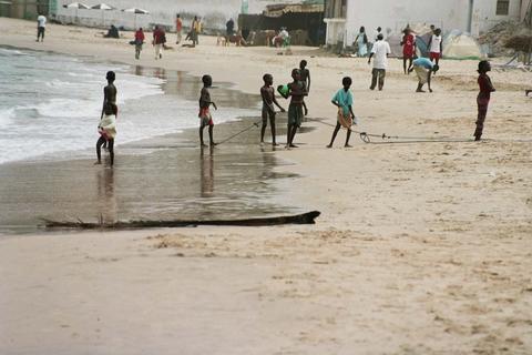 chicos en playas..